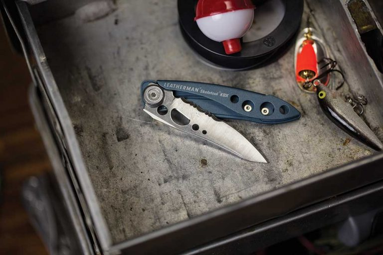 Skeletool-KBx-Lifestyle-Outdoor-Fishing